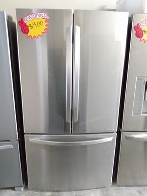 LG French Door Refrigerator 36 inch for Sale in Glendale, CA