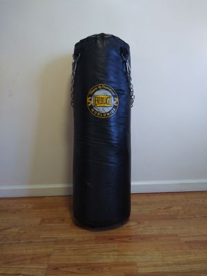 Everlast punching bag for Sale in HILLTOP MALL, CA