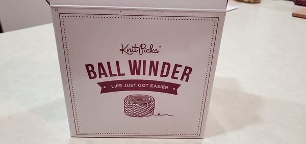 Knit picks yarn winder, mildly used