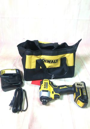 DEWALT cordless drill set and charger with bag DCF809 BCP006219 for Sale in Huntington Beach, CA