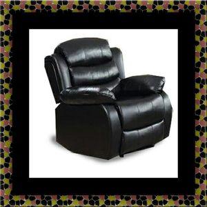 Black recliner chair for Sale in Hyattsville, MD