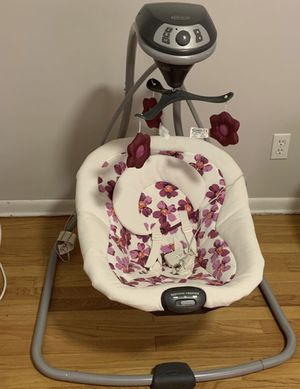 Baby swing for Sale in Cleveland, OH
