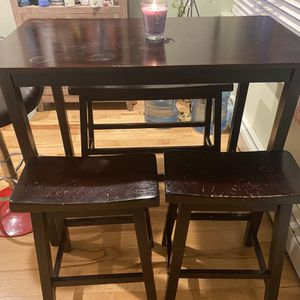 Kitchen Table And Chairs for Sale in Wood Dale, IL