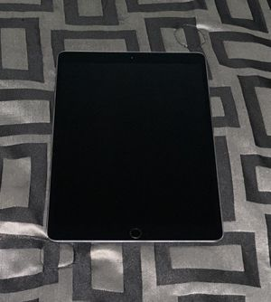 Space Grey IPad Pro 10.5 256GB for Sale in Frederick, MD