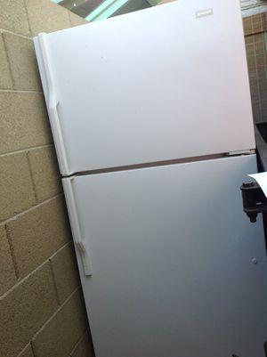 magic chef fridge for Sale in Phoenix, AZ
