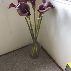 Vase and Flowers for Sale in Damascus,  OR