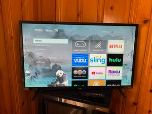 "32"" TCL Roku TV for Sale in Virginia Beach, VA"