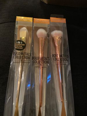 Different makeup brushes brand real Techniques for Sale in Lakeland, FL