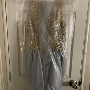 Mid-thigh dress for Sale in Loma Linda, CA