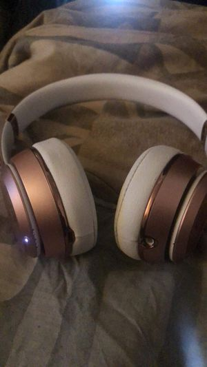 Beats Solo 3 (Rose Gold) for Sale in Las Vegas, NV