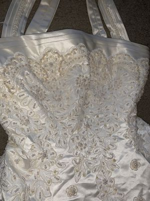 Wedding Dress  Cash Only or CashApp  NO PayPal offers for Sale in Guadalupe, AZ