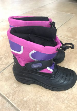 Totes snow boot. Girls Size 3.0 for Sale in Roseville, CA