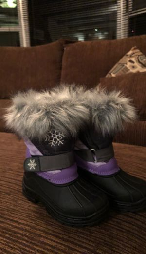 Girl snow boots for Sale in Lakewood, WA