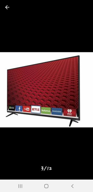 55 - inch Vizio Smart TV with Stand Included for Sale in Orlando, FL