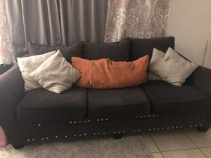 Grey Couch for Sale in Oakland Park, FL