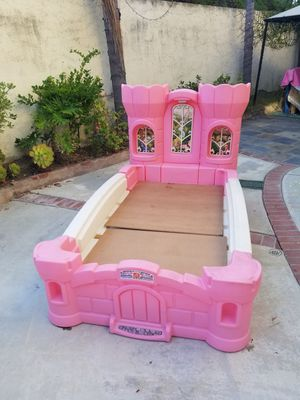 Twin girls bed for Sale in Fontana, CA