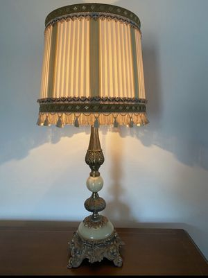 Antique elegant table lamp for Sale in Fort Lauderdale, FL
