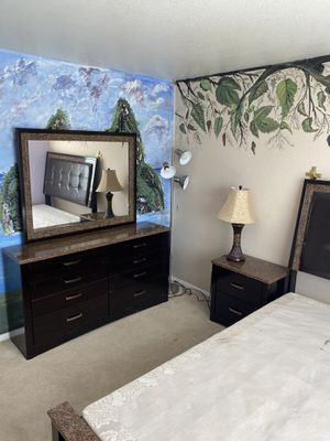 Bedroom set for Sale in Palmdale, CA