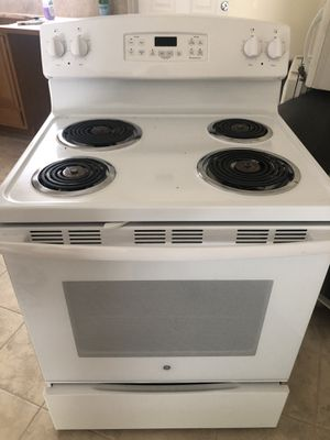 Stove, Dishwasher, Refrigerator, and Microwave for Sale in Palm Beach Gardens, FL