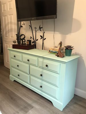 Vintage Restoration Dresser for Sale in Miami, FL