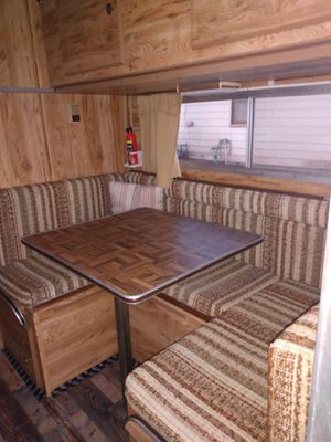 Lance over head truck camper for Sale in Turlock, CA