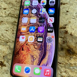 Apple iPhone XS Max 64GB Gold (Unlocked) for Sale in Paso Robles, CA