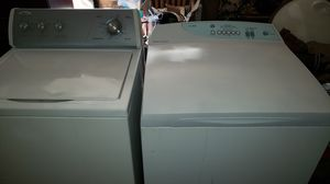 WASHER AND DRYER WHIRLPOOL FISHER AND PAYKEL for Sale in Lancaster, CA