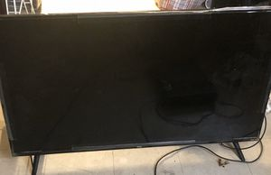 Tcl flat screen Roku smart tv 50 inches without remote for Sale in Newark, NJ
