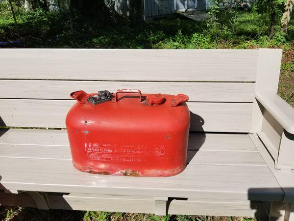 6 Gallon metal gas can