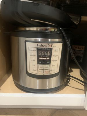 Instant Pot Lux IP-LUX pressure cooker for Sale in San Diego, CA