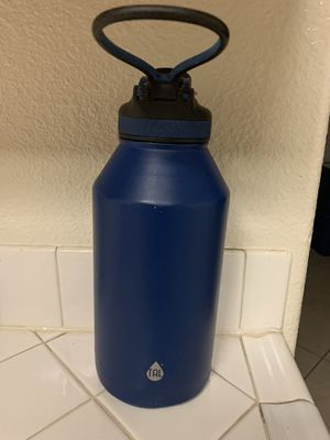 TAL 64 ounce water bottle for Sale in Las Vegas, NV