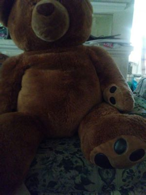 Brown Teddy bear 5 ft. for Sale in Bakersfield, CA