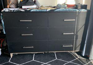 6 drawer dresser for Sale in Washington, DC