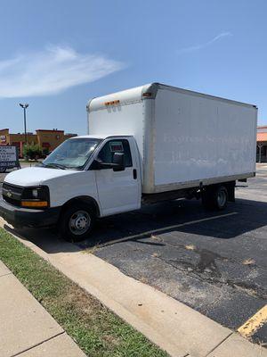 2013 Chevy box truck for Sale in Wichita, KS