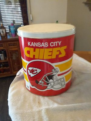 3 gallon Kansas city chiefs tin can and lid for Sale in Apache Junction, AZ