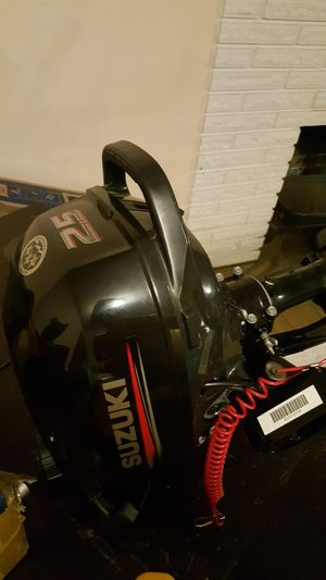 Suzuki 2.5hp motor 20inch shaft 4 stroke for Sale in Portland, OR