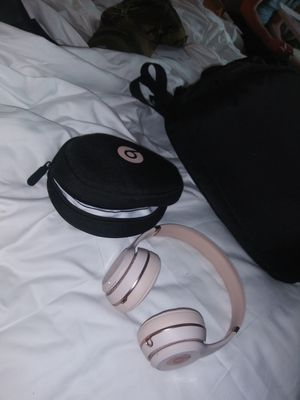 Beats wireless headphones for Sale in Houston, TX