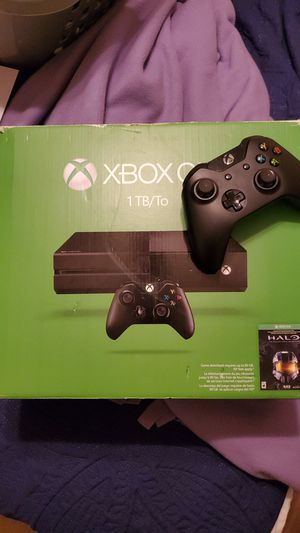1 TB Xbox 1 with controller for Sale in Santee, CA