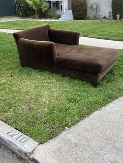 FREE CHAISE LOUNGE for Sale in Los Angeles,  CA