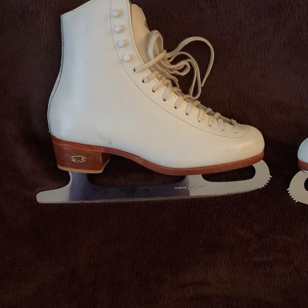 Riedel Size 5 1/2 (6 1/2-7 Womens)White Figure Ice Skates