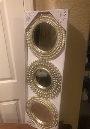 New mirror set price firm for Sale in Reedley, CA