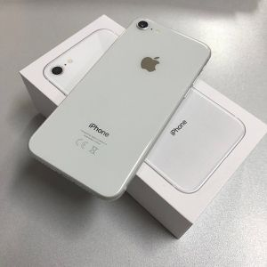 Unlocked iPhone 8 Silver 64gb for Sale in Providence, RI
