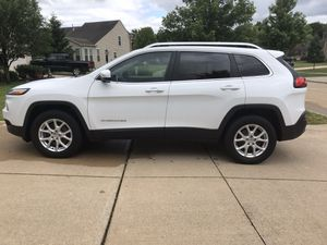 2014Jeep Cherokee latitude for Sale in Berea, OH
