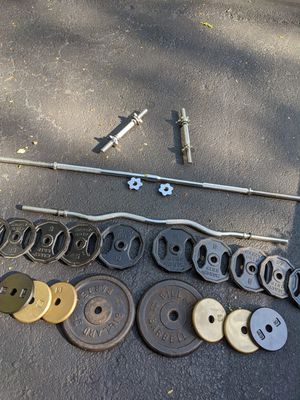Weight Set + barbells + dumbbells for Sale in Evanston, IL