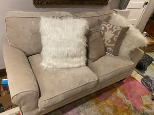 Love seat for Sale in Washington, DC