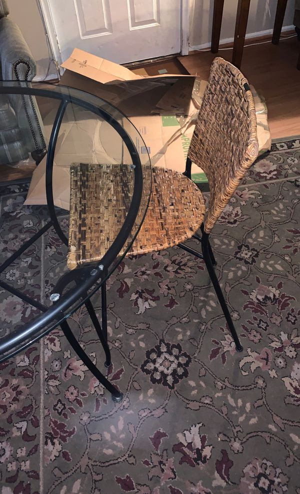 Glass round table