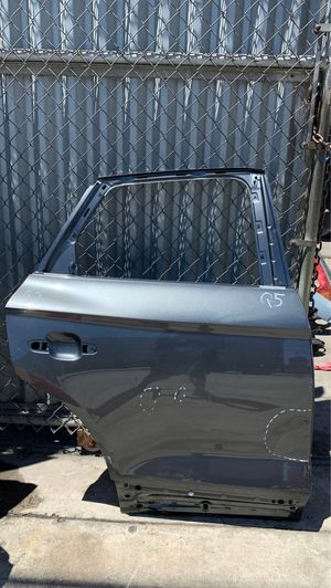 2018-2019 AUDI Q5 REAR RIGHT DOOR OEM for Sale in Los Angeles, CA