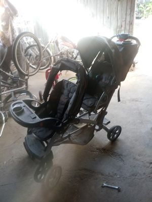 Baby Trend Sit N Stand Plus Double Stroller for Sale in Fresno, CA