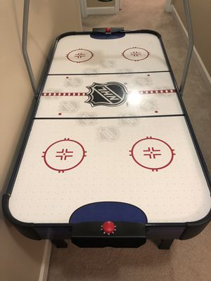 Air hockey table for Sale in Monroe, NC