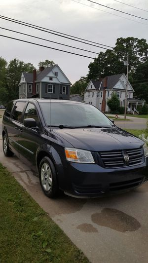2008 dodge grand caravan SE for Sale in Painesville, OH